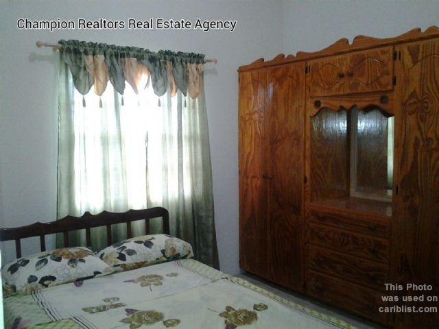Real Estate - Saint Philip - Bedroom